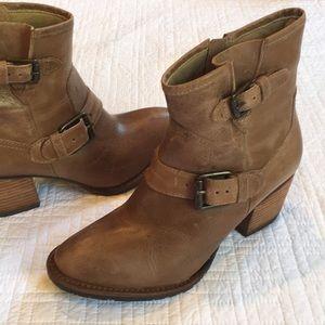 Never worn MATISSE boots